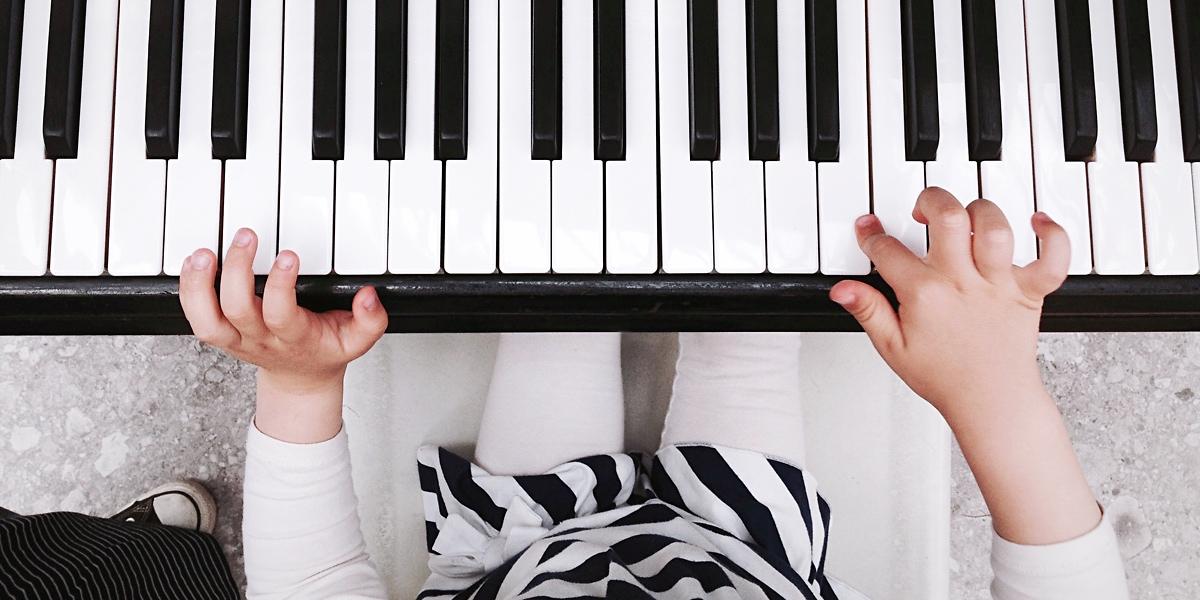 pratique piano enfant