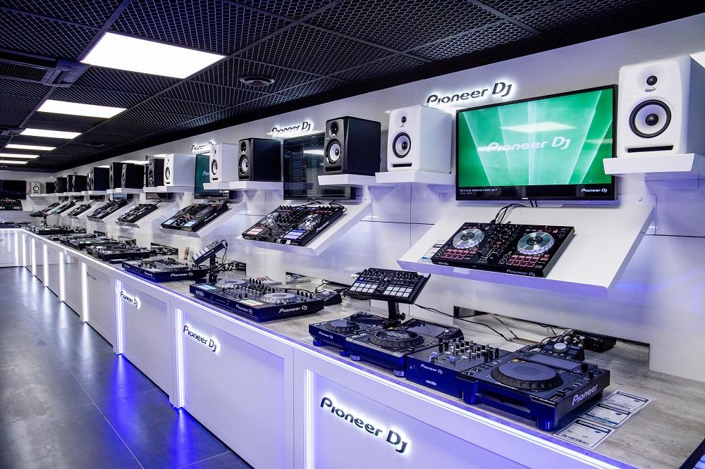 Univers Sons Showroom DJ