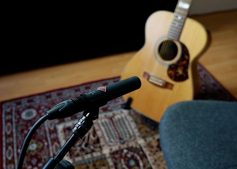 KM184 sur guitare acoustique