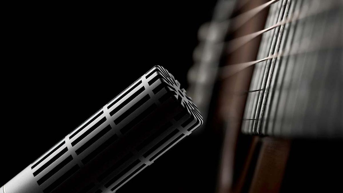 micro petite membrane sur guitare