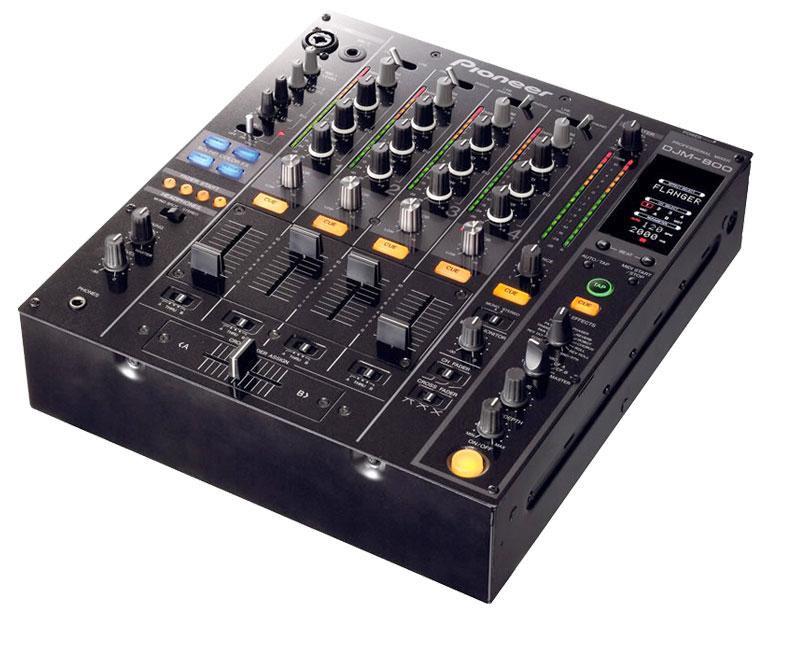 table de mixage djm 800